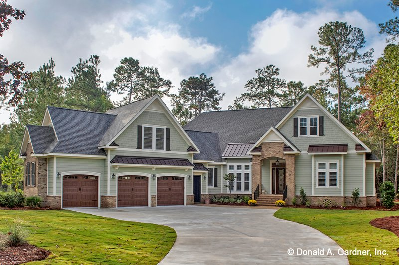Dream House Plan - Country Exterior - Front Elevation Plan #929-1006