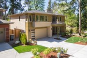 Modern Style House Plan - 4 Beds 3 Baths 3105 Sq/Ft Plan #132-225 Exterior - Front Elevation