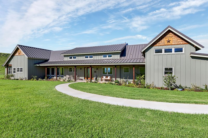 Dream House Plan - Ranch Exterior - Front Elevation Plan #140-149