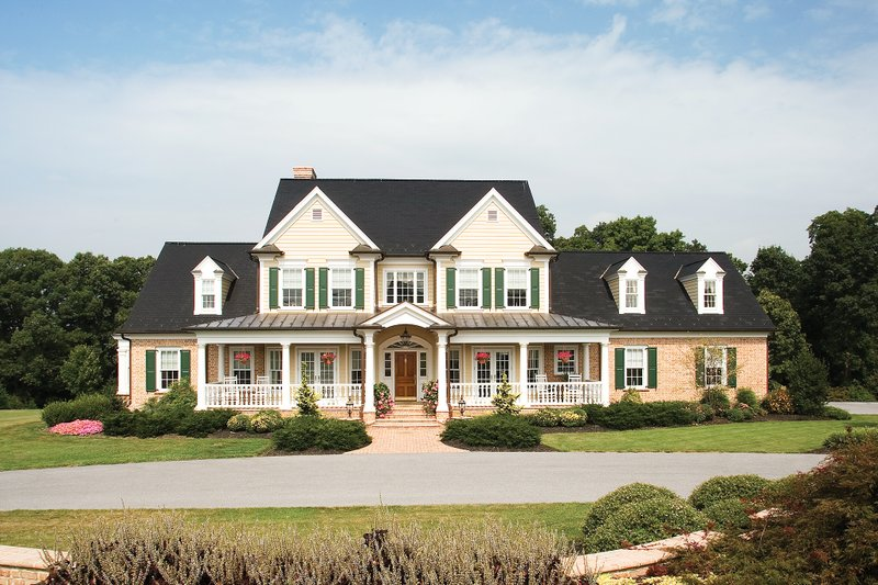 Farmhouse Exterior - Front Elevation Plan #929-16 - Houseplans.com