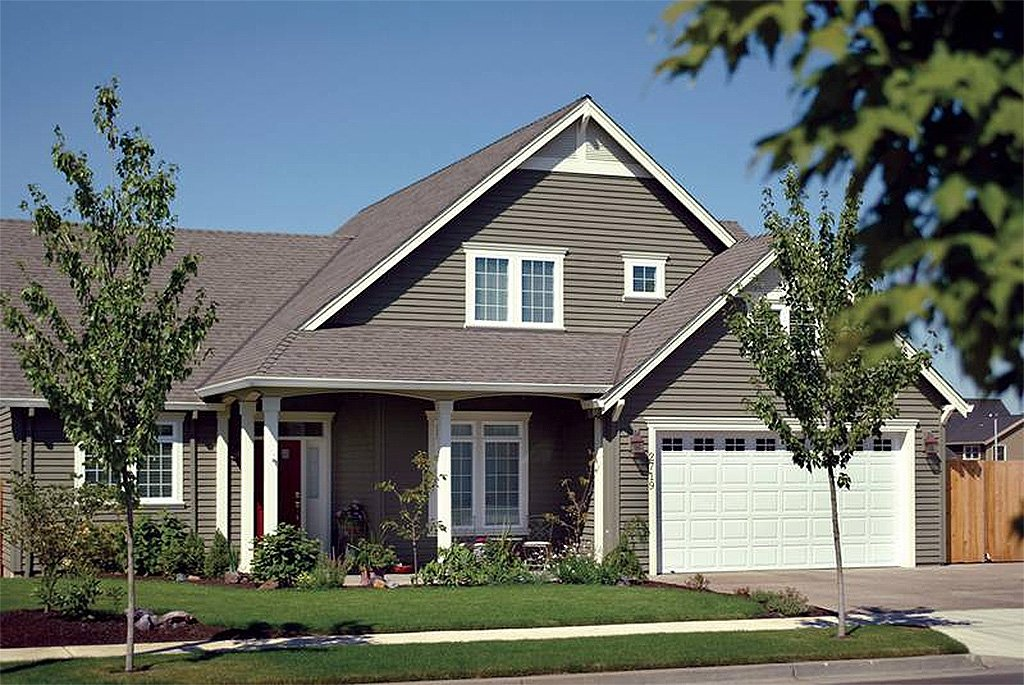 Craftsman style house plan 3 beds 2 5 baths 2120 sq ft for Craftsman vs mission style