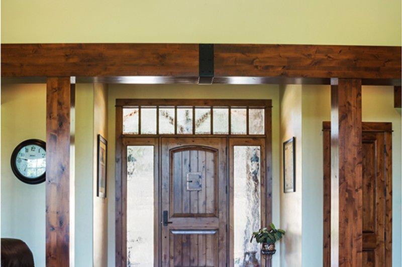 Ranch Interior - Entry Plan #48-712 - Houseplans.com