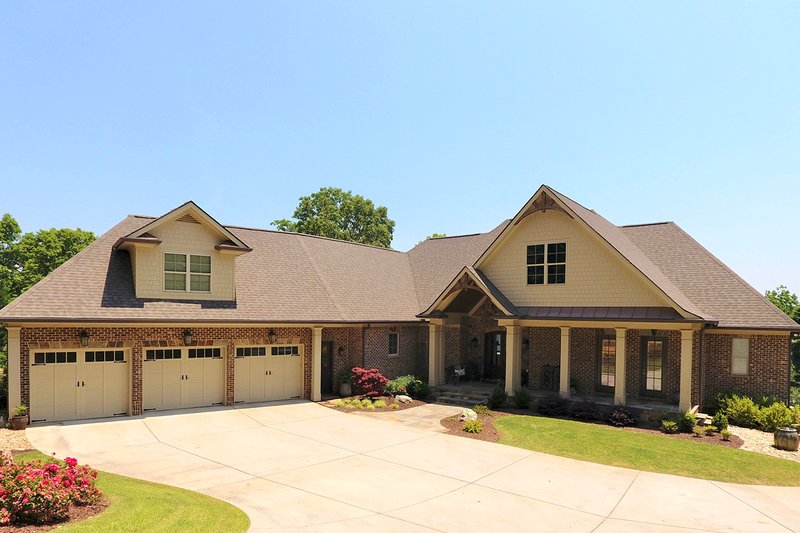 Craftsman Style House Plan - 4 Beds 3 Baths 3633 Sq/Ft Plan #437-102 Exterior - Front Elevation