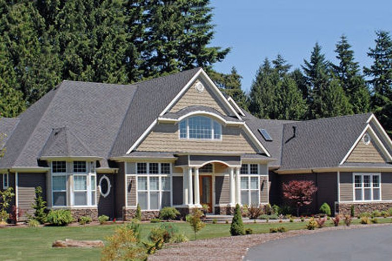 Traditional Exterior - Front Elevation Plan #48-347 - Houseplans.com