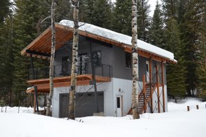 Cabin Exterior - Front Elevation Plan #910-3
