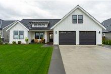 Home Plan - Farmhouse Exterior - Front Elevation Plan #1070-21