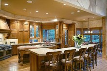 Large gourmet Kitchen with eating bar
