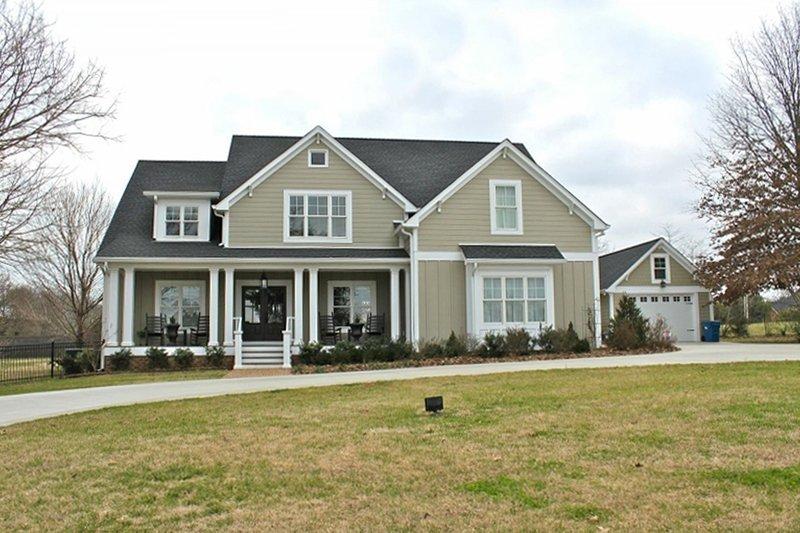 Home Plan - Farmhouse Exterior - Front Elevation Plan #927-41