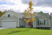 Traditional Style House Plan - 2 Beds 2 Baths 1410 Sq/Ft Plan #49-107