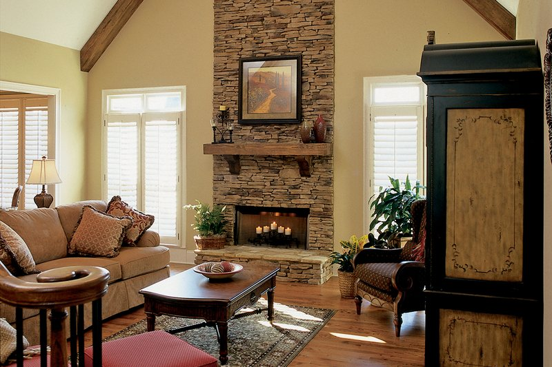 Country Interior - Family Room Plan #927-9 - Houseplans.com