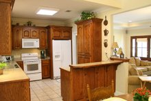 Traditional Interior - Kitchen Plan #21-139