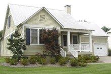 House Plan Design - Country Photo Plan #17-522