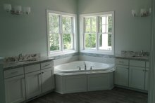 Craftsman Interior - Master Bathroom Plan #1057-12