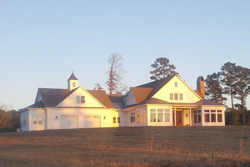 Home Plan - Farmhouse Exterior - Front Elevation Plan #928-359