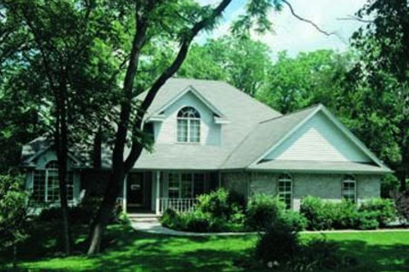 Traditional Exterior - Front Elevation Plan #20-665 - Houseplans.com