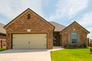 Traditional Style House Plan - 3 Beds 2 Baths 1489 Sq/Ft Plan #65-485 Exterior - Front Elevation