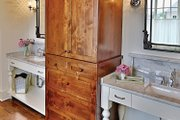 Craftsman Style House Plan - 4 Beds 5.5 Baths 3878 Sq/Ft Plan #927-5 Interior - Master Bathroom
