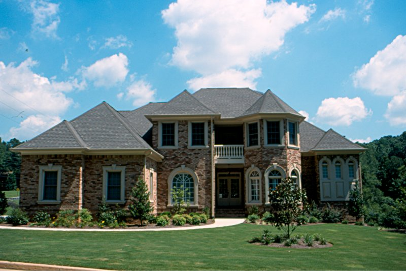 European Style House Plan - 4 Beds 3.5 Baths 3094 Sq/Ft Plan #20-2043
