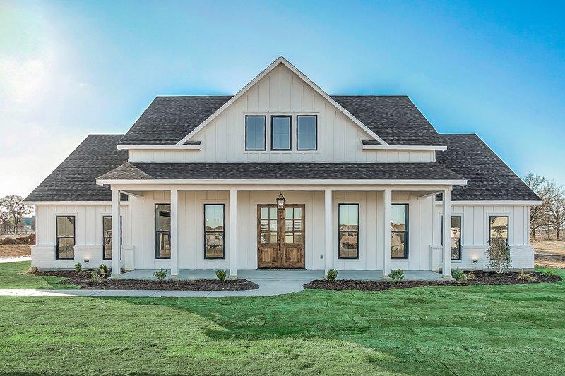Home Plan - Farmhouse Exterior - Front Elevation Plan #430-215