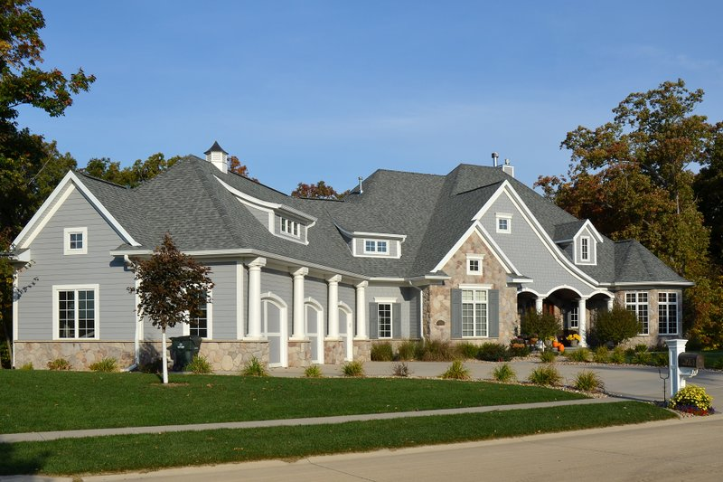 Ranch Photo Plan #70-1063 - Houseplans.com