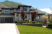 Contemporary Style House Plan - 7 Beds 5.5 Baths 5850 Sq/Ft Plan #920-85