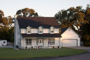 Traditional Exterior - Front Elevation Plan #515-15
