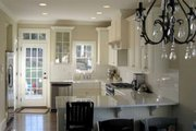 Craftsman Style House Plan - 3 Beds 2.5 Baths 1860 Sq/Ft Plan #461-10 Interior - Kitchen