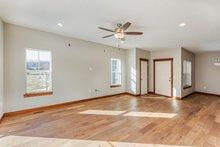 Home Plan - Ranch Interior - Entry Plan #70-1473