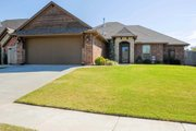 Traditional Style House Plan - 3 Beds 2 Baths 1544 Sq/Ft Plan #65-394 Exterior - Front Elevation