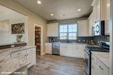 Ranch Interior - Kitchen Plan #929-1002