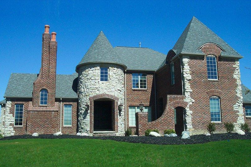 House Plan Design - European Exterior - Front Elevation Plan #20-2301