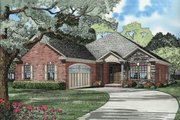 Traditional Style House Plan - 3 Beds 2 Baths 1806 Sq/Ft Plan #17-2275 Exterior - Front Elevation
