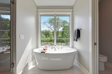 Traditional Interior - Master Bathroom Plan #928-329