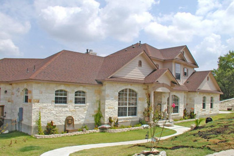 Dream House Plan - Traditional Exterior - Front Elevation Plan #80-187