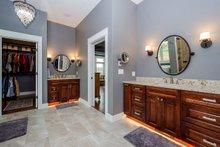 Ranch Interior - Master Bathroom Plan #70-1501