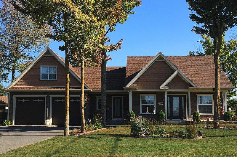 Home Plan - Farmhouse Exterior - Front Elevation Plan #23-642