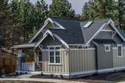 Craftsman Style House Plan - 2 Beds 2 Baths 999 Sq/Ft Plan #895-54 Exterior - Front Elevation