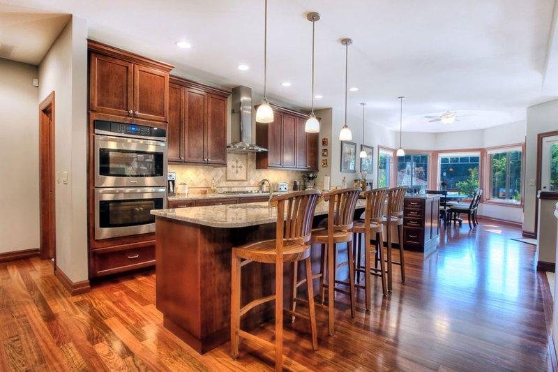 Craftsman Photo Plan #132-205 - Houseplans.com