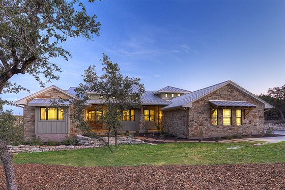 Ranch Exterior - Front Elevation Plan #935-6