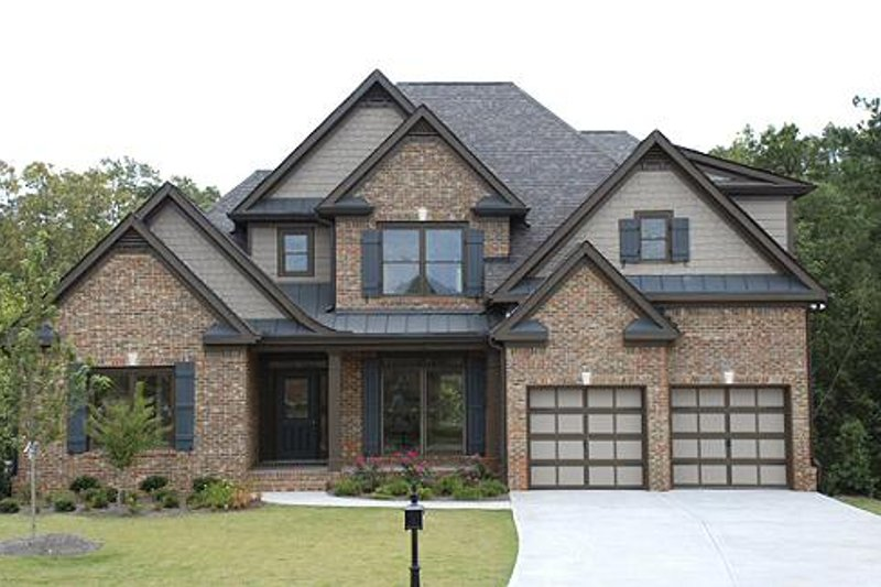 Traditional Exterior - Front Elevation Plan #419-110 - Houseplans.com