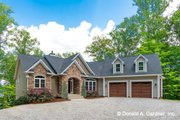 Traditional Style House Plan - 4 Beds 4 Baths 2607 Sq/Ft Plan #929-980 Exterior - Front Elevation
