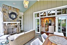 Craftsman Exterior - Outdoor Living Plan #927-5