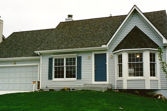 Traditional Exterior - Front Elevation Plan #405-118