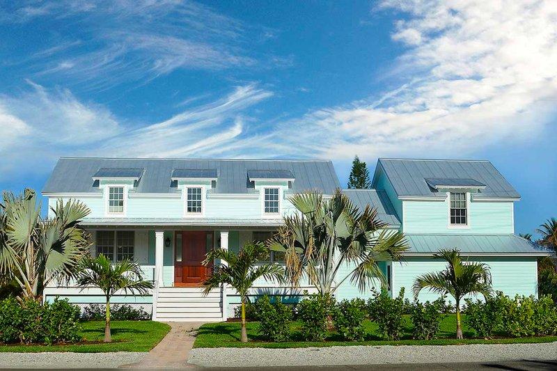 House Plan Design - Farmhouse Exterior - Front Elevation Plan #938-82