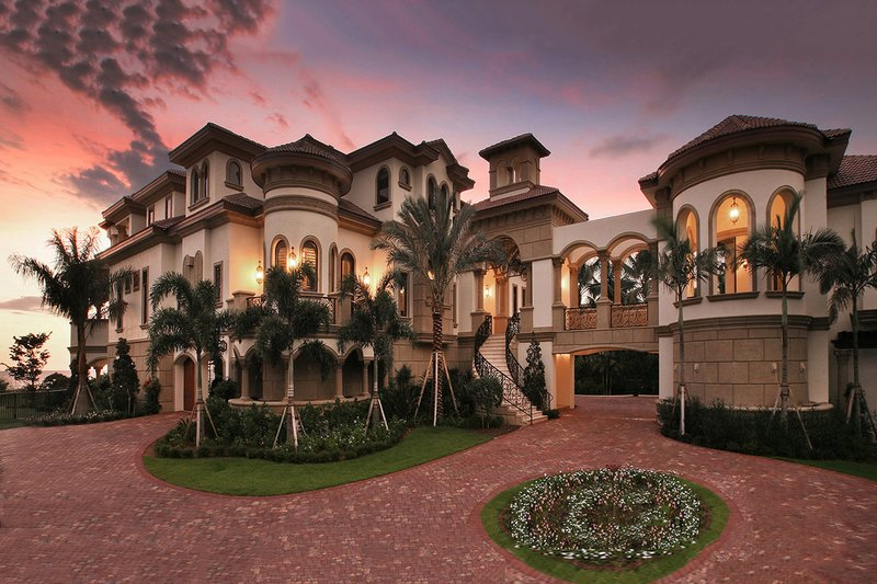 Mediterranean Style House Plan - 6 Beds 6 Baths 8364 Sq/Ft Plan #27-538 Exterior - Front Elevation