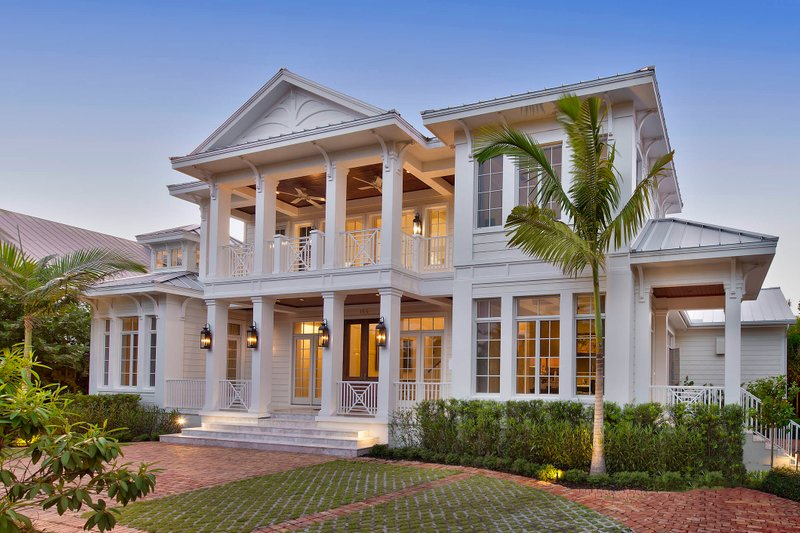 Mediterranean Style House Plan - 5 Beds 6 Baths 8183 Sq/Ft Plan #27-558 Exterior - Front Elevation