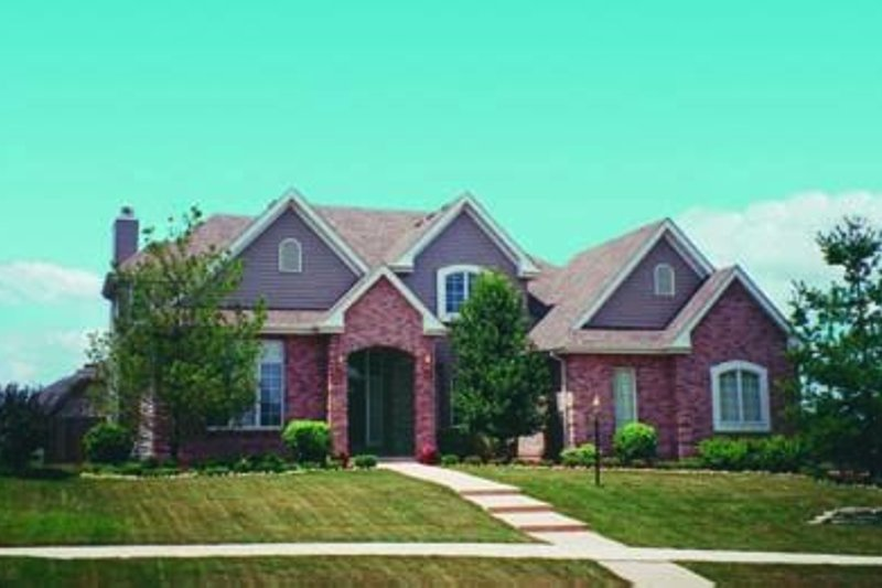 Traditional Exterior - Front Elevation Plan #20-1044 - Houseplans.com