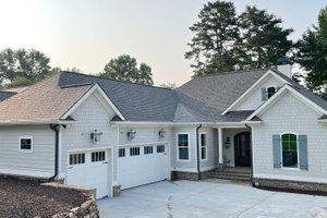 Craftsman Exterior - Front Elevation Plan #437-122