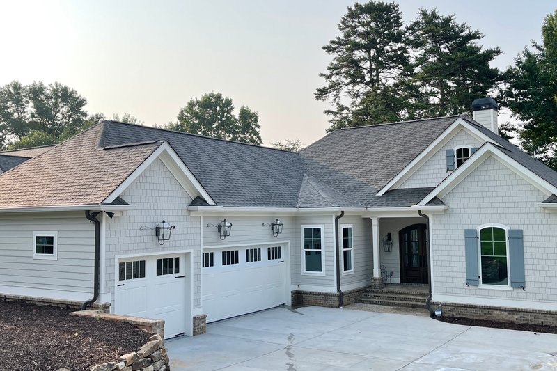 Architectural House Design - Craftsman Exterior - Front Elevation Plan #437-122