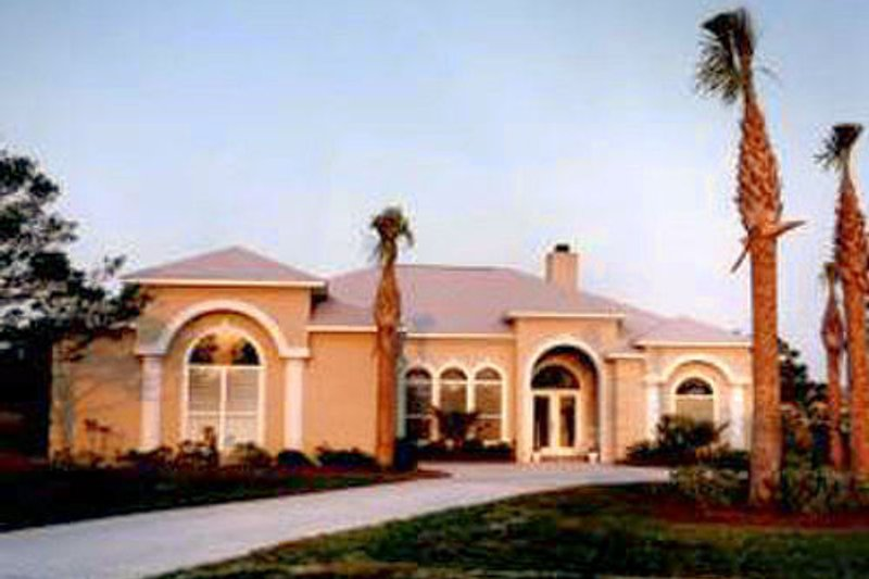 Mediterranean Exterior - Front Elevation Plan #37-123